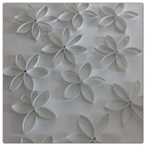 Blommor av toarullar